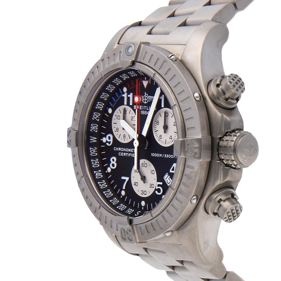 Breitling Avenger M1 Chronograph E73360