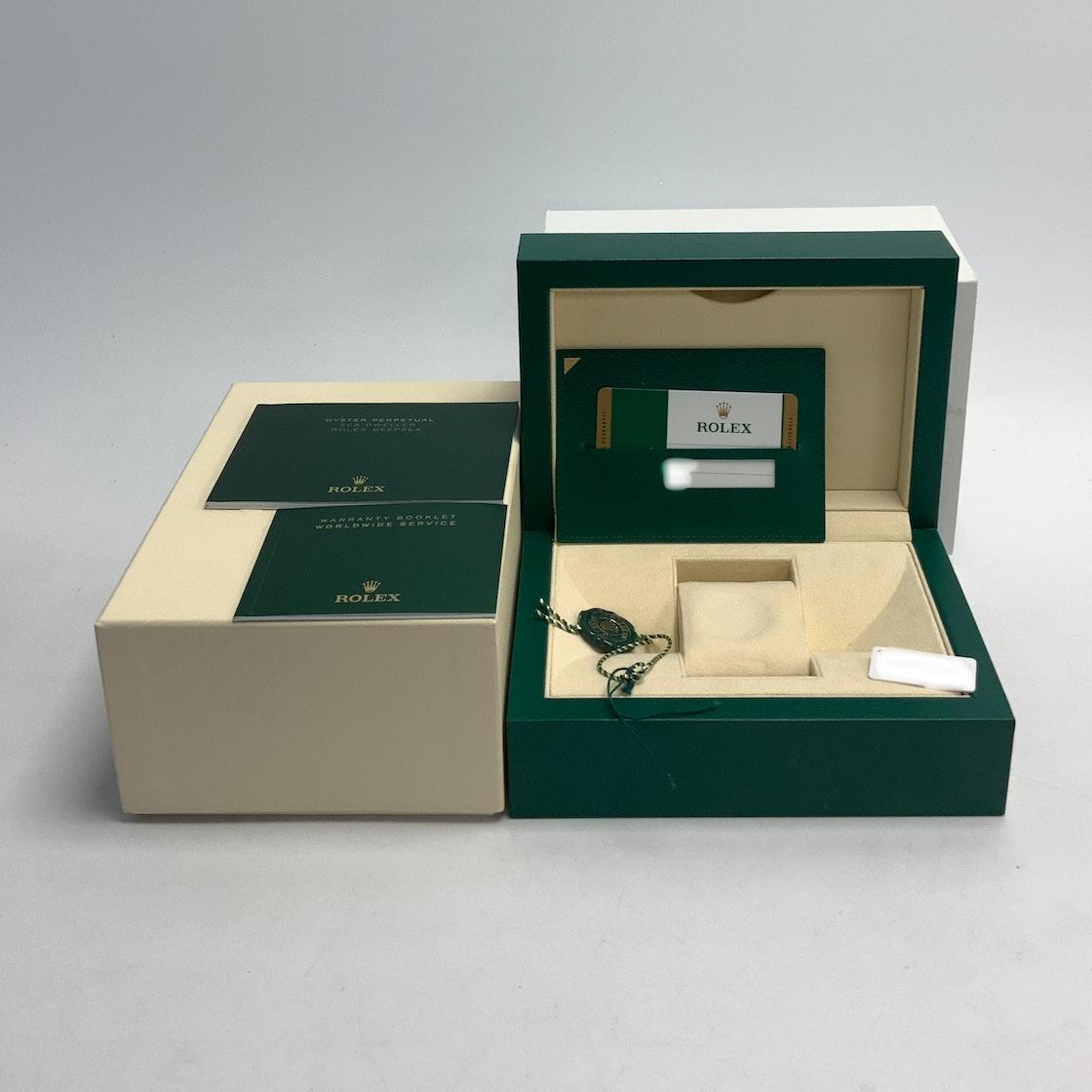 Rolex Sea-Dweller 4000 126600